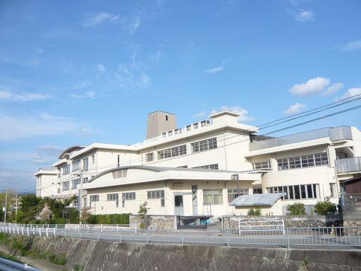 宝塚市第一小学校