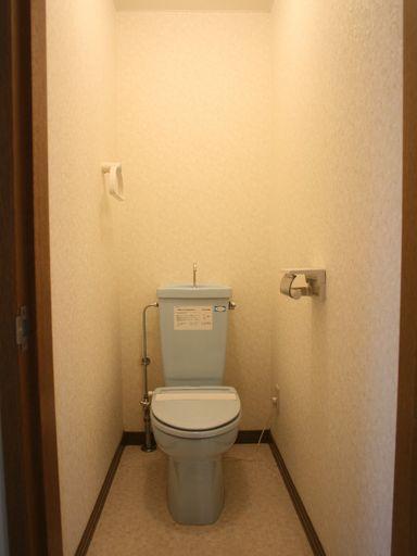 トイレ(温便座付)