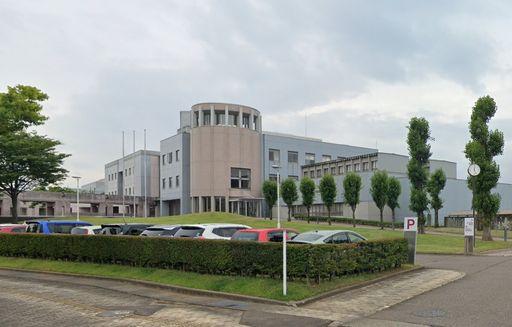 上越市新南町 新潟県立看護大学 900m