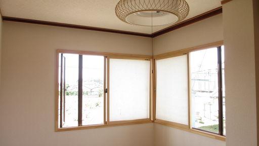 出窓付き和室