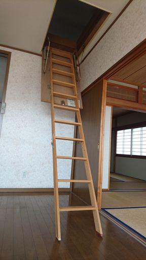 格納式はしご