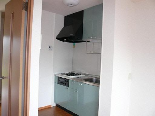 キッチン(以下103号室内観写真)