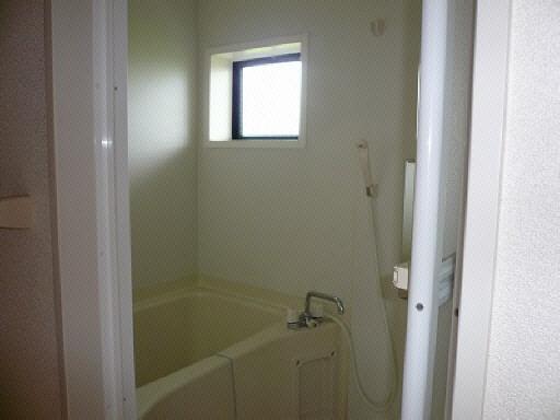 バスルーム(窓付き)