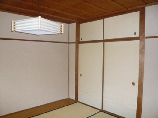 和室(押入れ付)