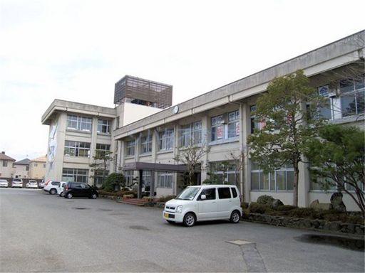 中央中学校 850m