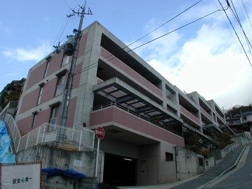 パーク・フィールド宝塚中筋山手!