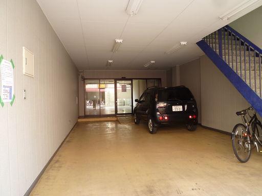 駐車場 車3台可