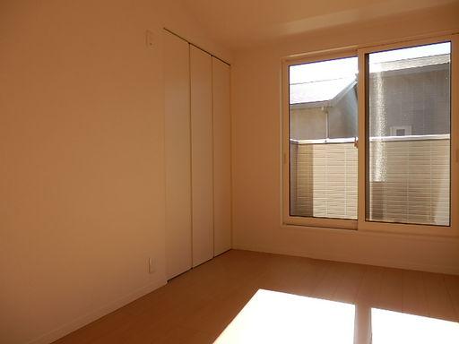 2階洋室(南東)