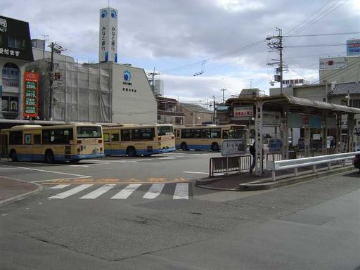 西口バス乗り場♪