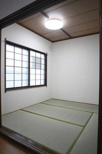 和室4.5帖(LED照明へ交換済)