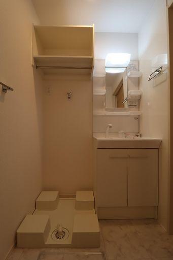 シャワー洗面・洗濯機置場