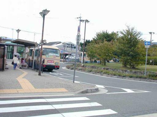 駅バス乗り場♪