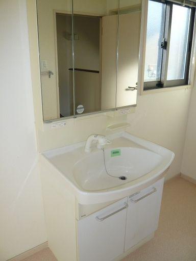 シャワー洗面(2F)