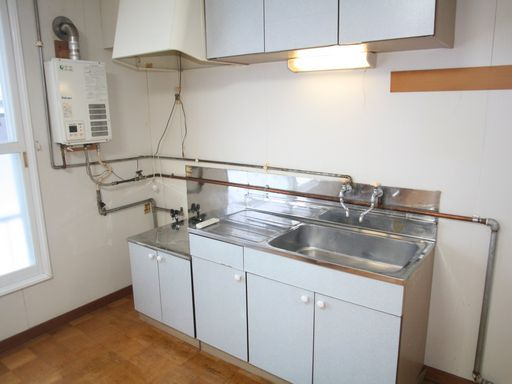 キッチン(ガス給湯器付)